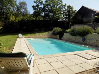 Demeure de charme sur 1 hectare avec piscine