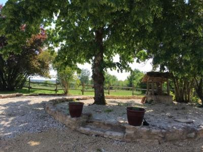 Belle maison de campagne avec �curie et piscine sur 4 hectares