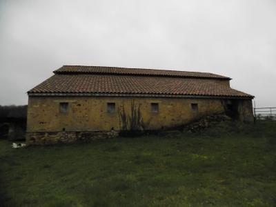 Pays de Belv�s, maison avec belle vue et d�pendances sur 1,5 hectares de terrain