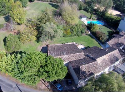 Superbe demeure de 370 m² avec 9 chambres, 4000 m² de terrain et piscine PARRANQUET