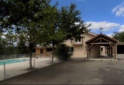 Maison contemporaine de 4 chambres et piscine SALVIAC