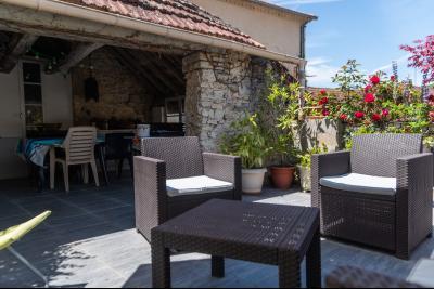 Superbe maison de bourg de 180 m² avec terrasse SALVIAC