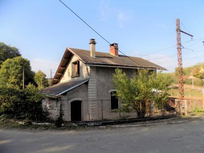 Ancienne maison de garde-barrière à rénover sur 542 m² de jardin DEGAGNAC