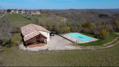 Plain-pied de 100 m², 4 chambres et piscine SALVIAC
