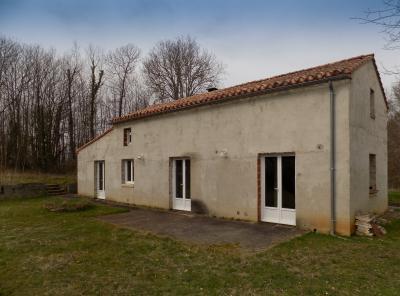 En campagne, au calme, maison de 150 m² sur 1.9 ha MONTCLERA