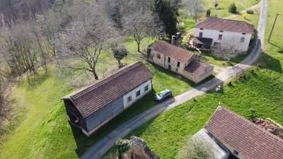 Ancien corps de ferme sur 19 hectares CAMPAGNAC LES QUERCY