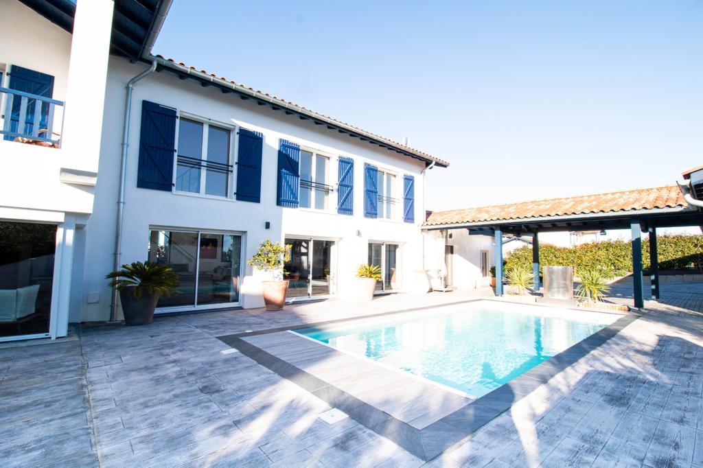 Maison Arcangues 7 pièce(s), agence immobilière Pays-Basque