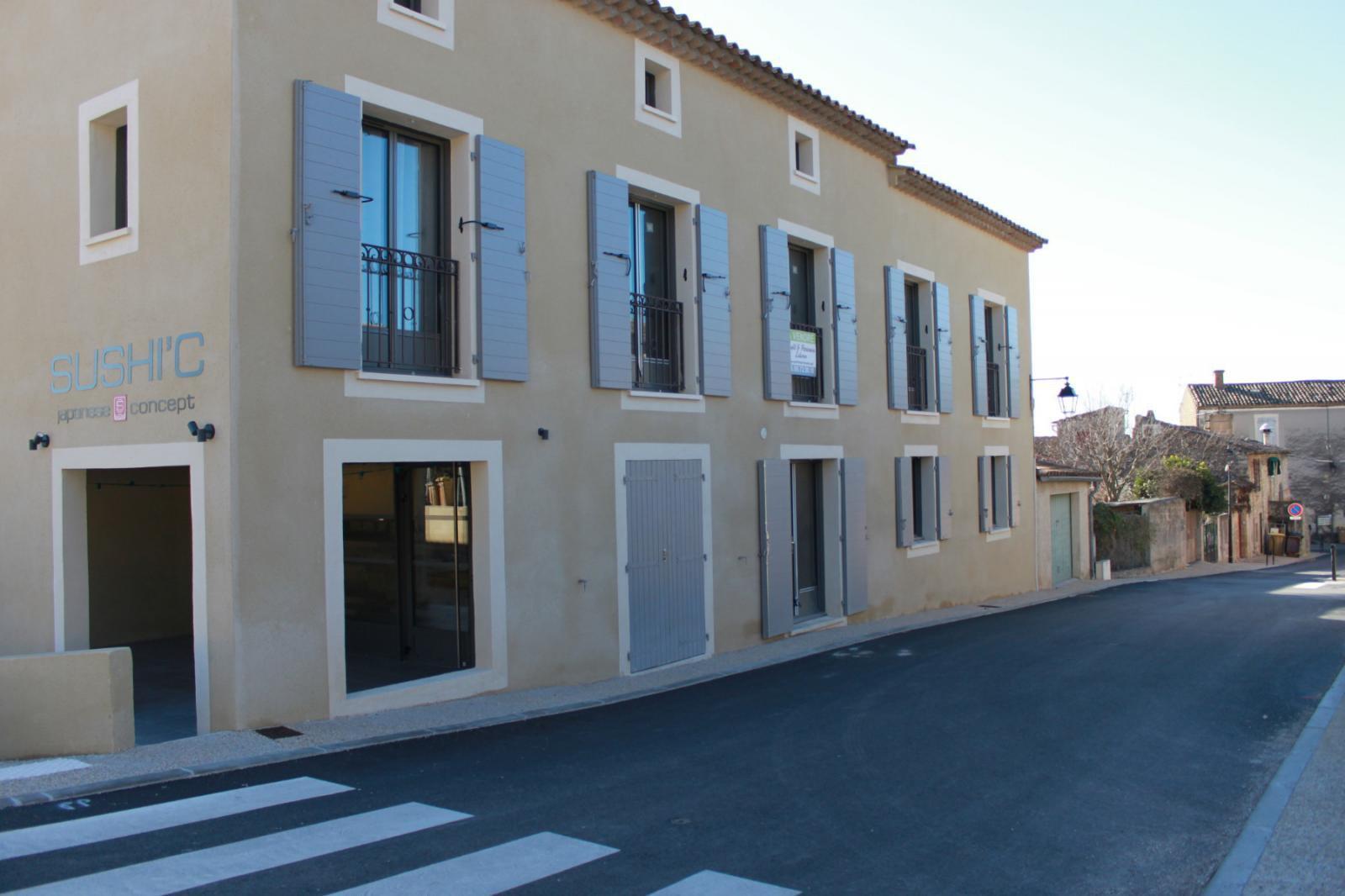 Local commercial de 40m² centre village Mérindol