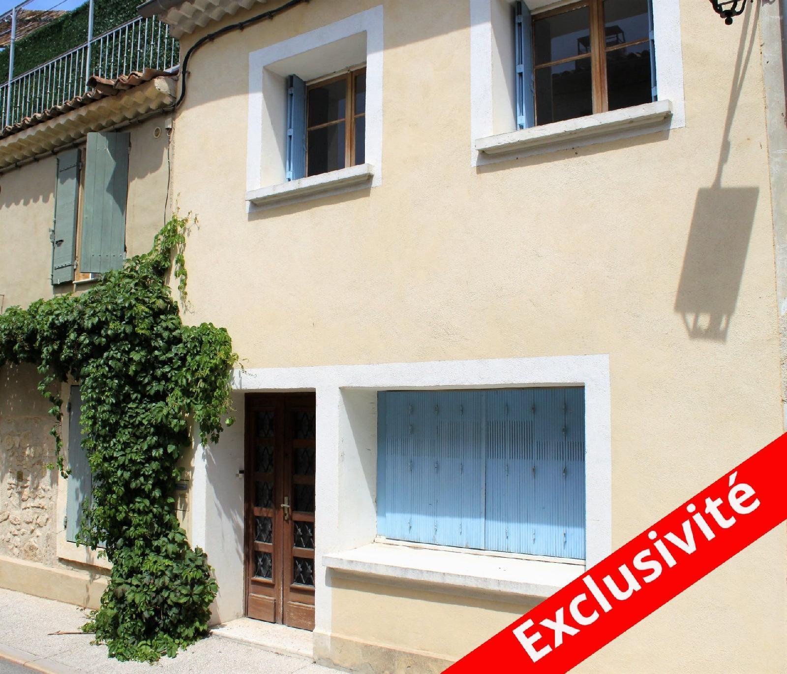 Jolie maison de ville avec terrasse - Charleval