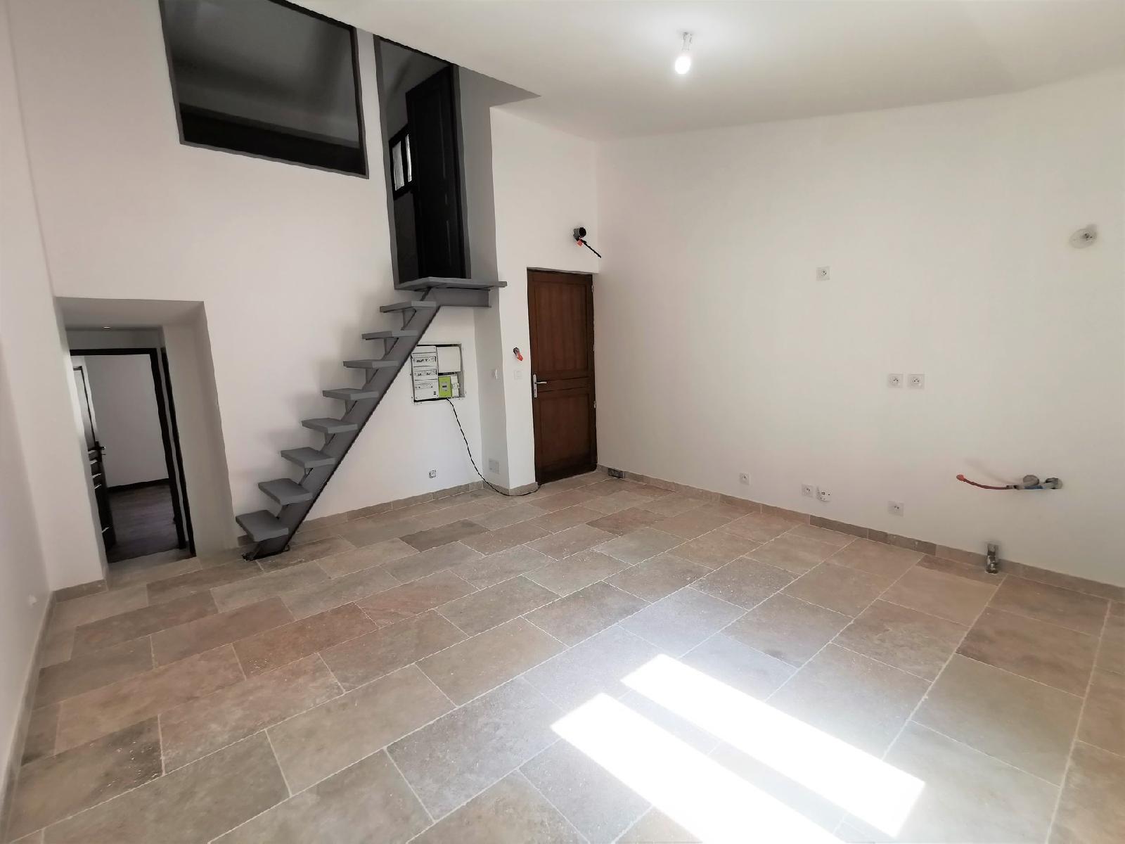 Appartement de type 3 en duplex sur Cadenet