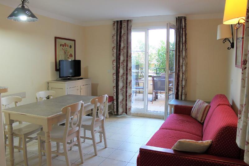 Appartement 2 pièce(s)  de 37 m² env. , Agence Immobilière UnChezVous, dans les départements de l'Ariège et de l'Aude